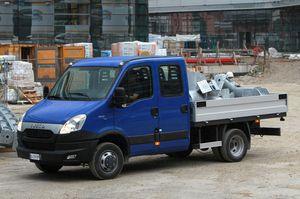 Iveco Daily Pritschenwagen mit Doppelkabine (Crewcab)